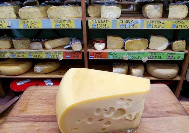 Gouda cheese shop